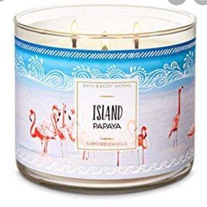 NWT Bath + Body Works Island Papaya Candle